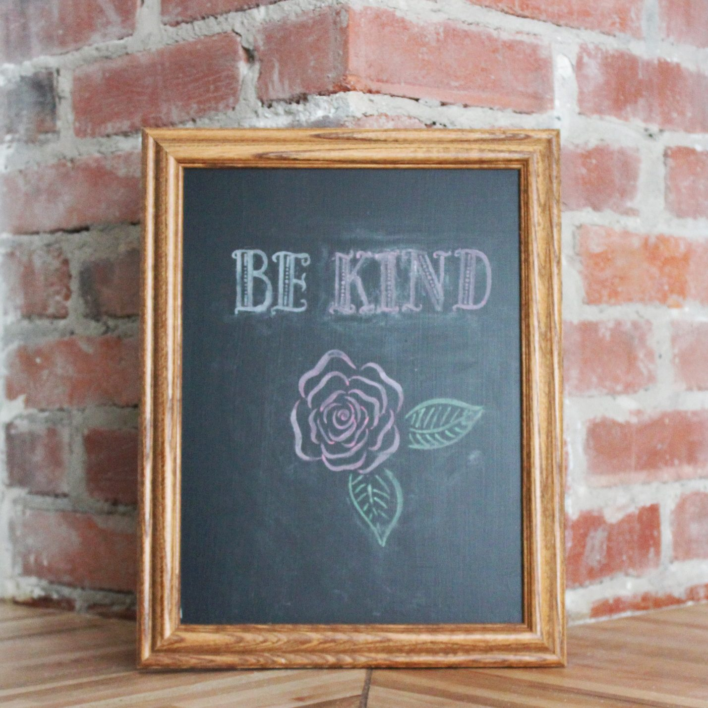 create-chalkboard-from-old-picture-frame-2879040-1